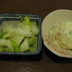 紅とん - 白菜の浅漬け \200、ポテトサラダ \280