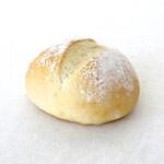 はとむぎの杜 - 料理写真:白パン 97円(税込)