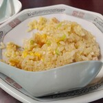 紅蘭 - 半チャーハン350円(税込)ウマウマ(>∀<) 少し取り皿に取っちゃったあとなのでかけてますf(^ー^;