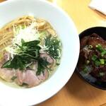 麺蔵あつお - 料理写真:鶏塩+とり皮丼 770+350円