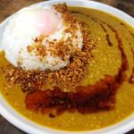 麺小屋 てち - にくみそスパイスカレ〜(お持ち帰りVer)の調理例