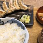 132508083 - 肉汁焼餃子定食