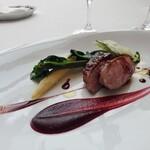 132513208 - フランス産鴨のロースト スパイスとレモン風味 サクランボのソースで