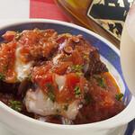 ペンナロッソ - たこのニンニクオリーブ煮