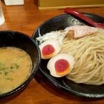 醤油と貝と麺 そして人と夢 - 料理写真:鶏白湯つけ麺大盛り煮玉子トッピ