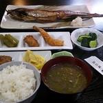 居酒屋漁 - ランチ「焼き魚・ほっけ」