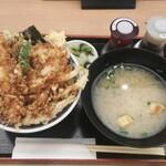 海老天丼 こし - 七種天丼 ¥1408(税込)