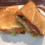 サンドイッチファクトリー・オー・シー・エム - ホットはトースターでこんがり
