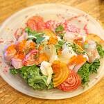 WE ARE THE FARM - 季節野菜と本日の鮮魚のカルパッチョビーツドレッシング