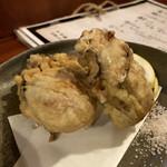 黒ひげ - 岩がきの天ぷら。大きい!