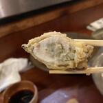 黒ひげ - 岩がきの天ぷら。断面。