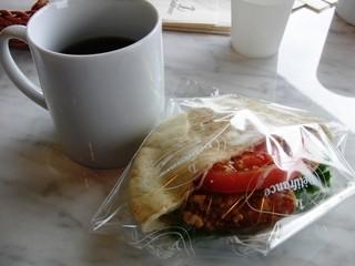 デリフランス 軽井沢店 - チキンから揚げピタパン