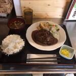 おきらく食堂 - ハンバーグステーキ定食180g  ライス大盛り 1,050円