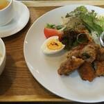 カフェ フルール - 料理写真:くるくるロールかつセット  1050円