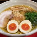 麺王道 勝 - 味玉らーめん