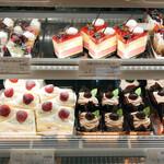 ケーキハウス - リバージュ - 料理写真: