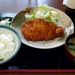 江戸家 - 料理写真:カツ定食 900円