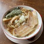 132572996 - 熟成醤油の濃厚煮干し中華蕎麦