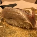 第三春美鮨 - 春子  血鯛 56g 昆布〆 底引き網漁 大分県杵築