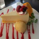 ルサーク - 本日のデザートのレアチーズケーキ