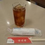 美・食・韓 食道園 - ドリンク写真:ウーロン茶は盾、箸は矛