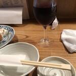 東池袋 魚金 - がぶ飲みワインは量も適度にありました。
