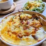 よもぎ田cafe - ひき肉のキーマ風カレードリアランチ✨