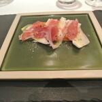 リストランテ カノフィーロ - 宮崎産アップルマンゴーとペコリーノイシカリーノ