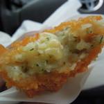 13261261 - 【オランダコロッケとピリ辛メンチ】じゃがいもとチーズが良い感じなんですよね...