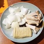 柚木元 - 野菜セット(きのこ、粟麩、新玉ねぎ