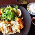 御飯屋  おはな - 糸島卵の自家製タルタル[チキン南蛮プレート]1050円