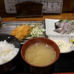 132625798 - 太ったいわしとあじフライ定食(980円)