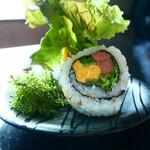 琉球回転寿司 海來 - ちゅらさんロール