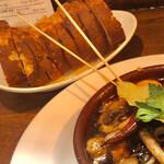 大衆食堂 瓦町ブラン - マッシュルームとスルメイカのアヒージョ パンデュースさんのバゲット