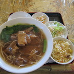 Kouryuukaku - 排骨麺セット