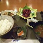 HATSUMOMIJI - 鯨刺身定食