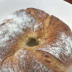132642775 - 湯葉のパン