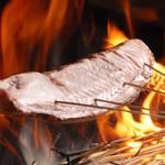 北さつま漁港 - 名物藁焼き 鰹のタタキ