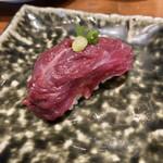 水戸駅北口 肉寿司 - インスタフォローで貰った「赤身(馬)」