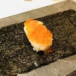 イル ギオットーネ - イクラの飯蒸し サクラチップの燻製 海苔