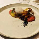 イル ギオットーネ - 水茄子とトマトのカルパッチョ ホタテ添え ラタトゥイユ ミルクの泡 ブラックオリーブ