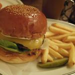 ファイヤーハウス - チーズバーガー ¥1,155