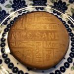 ニューヨークシティサンド - お皿に乗せると普通のクッキーみたい