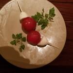 nakameguro 燻製 apartment - トマトと水牛モッツァレラチーズのカプレーゼ~燻製オリーブオイル仕立て~