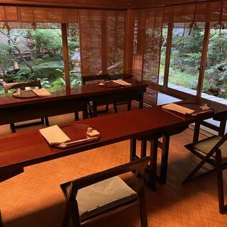 【完全個室】全8室~日本庭園を望む個室は様々な場面に最適~