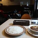 レストラン ポルポ - 料理写真:オリジナルインドカレー ポーク 野菜玉子入り