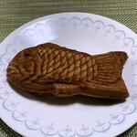 三船屋菓子店 - 料理写真:養殖のたい焼き(連式で焼いてるのでね)ww
