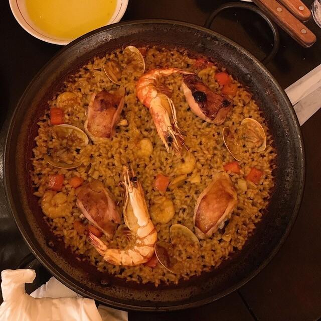 バル ポルティージョ デ サルイアモールの料理の写真