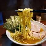 らーめん飛粋 - 麺リフト (ちょいちぢれ麺)