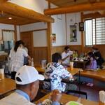 日本そば うらじ - 満員のお昼どき